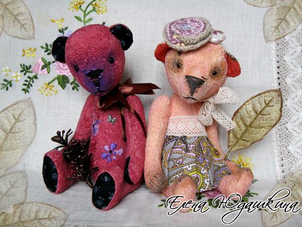 """Розовая мишка и """"Барри"""""""